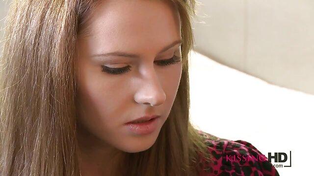 女の子は彼女の細身の性格を示した 女性 の 為 の セックス 無料 動画