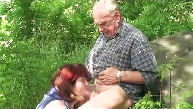 筋肉と拳の学生Vitka 女性 の 為 の 無料 セックス 動画