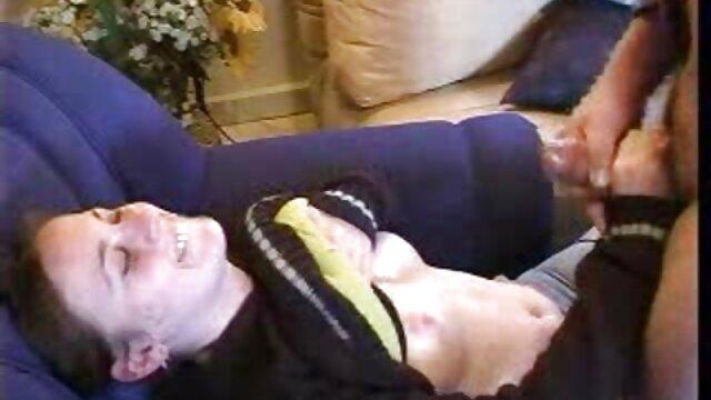 女性とのテーブルでの論争の乱交パーティー 女性 専用 セックス 無料 動画