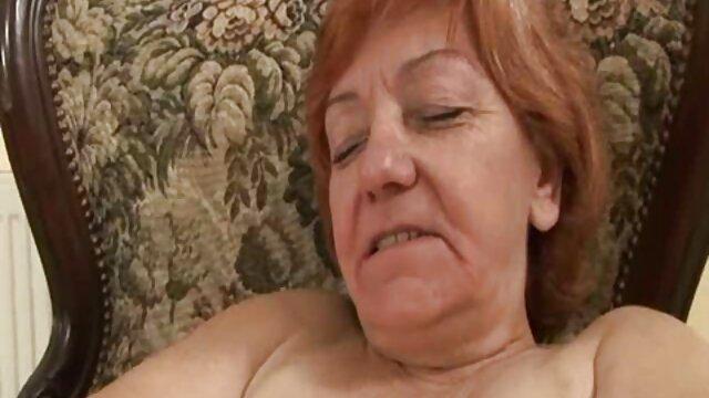 看護師は穴を持っており、患者を抱きしめています 女子 向け セックス 動画